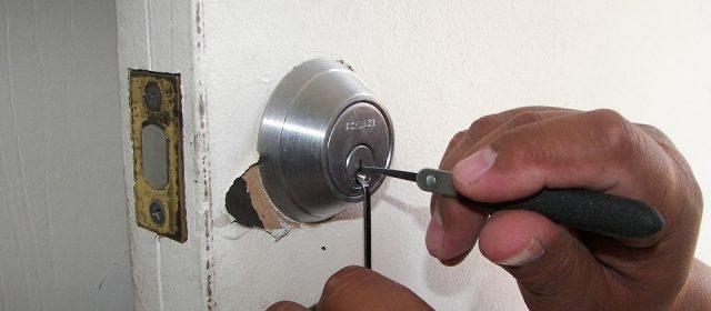Avez-vous égaré les clés ? Il suffit d'appeler le serrurier