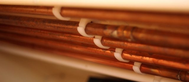 Une gamme de trois matériaux : cuivre, PER ou multicouche, destinés pour les tuyaux de la plomberie ?