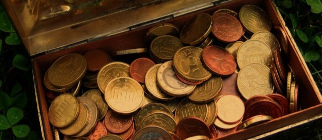 Un plombier découvre un trésor à l'Essonne et demande la moitié aux propriétaires !